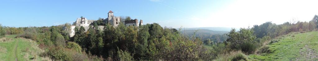 Panorama zamku Tenczynek w Rudnie