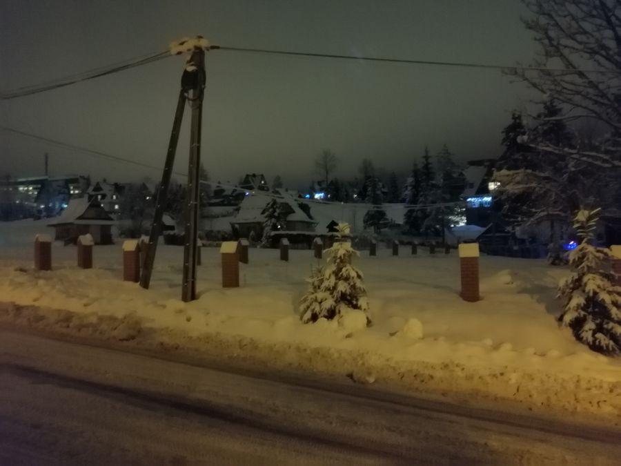 Kościelisko zasypane śniegiem