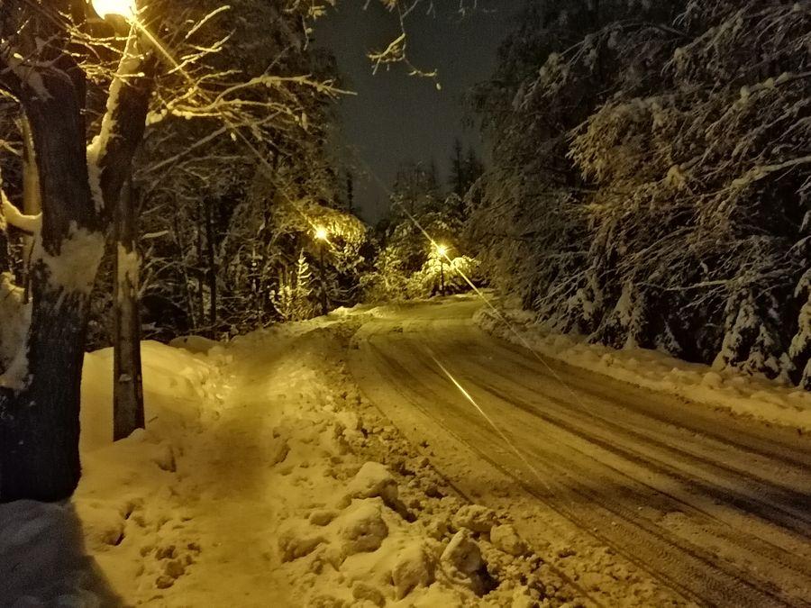 Kościelisko zasypane śniegiem ulica Sywarne
